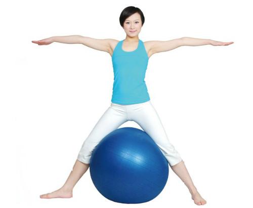 瑜伽球减肥动作图解 瑜伽球的作用是什么