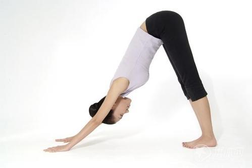 厦门瑜伽培训:瑜伽教练美女段冉教你练瑜伽