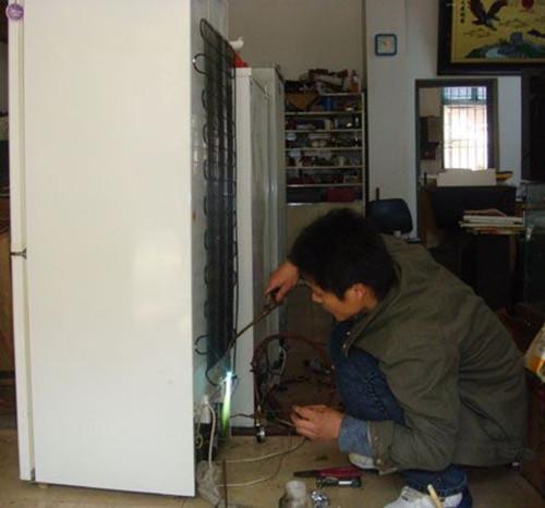 海尔冰箱维修案例二:海尔冰箱常烧保险丝的故障检修