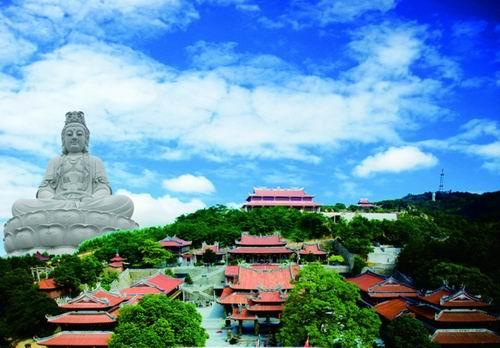 泉州晋江灵源山拓展基地,位于福建晋江市灵源山风景区,是一