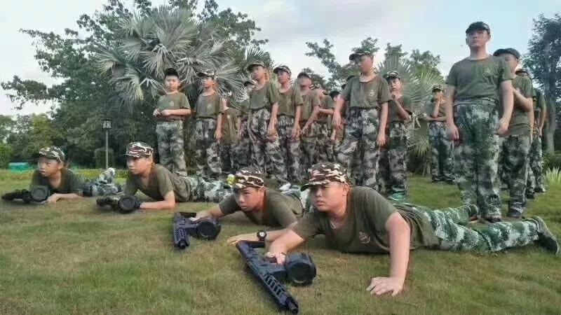 小精英厦门军事夏令营21天